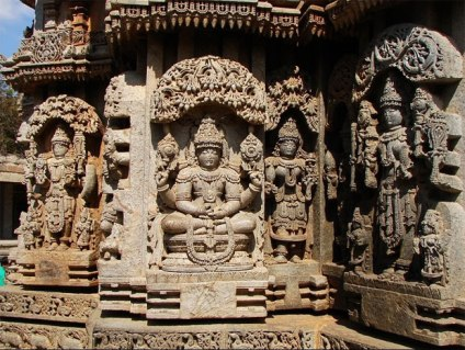 b-somanathapura-statues