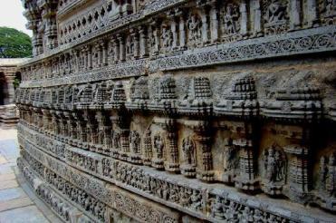 somnathpura-outer-wall